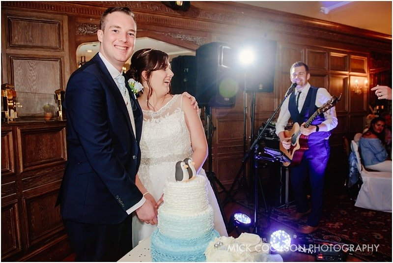 alex birtwell sings at a wedding at the royal toby hotel