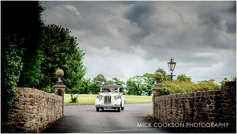 horgans wedding car at beeston manor