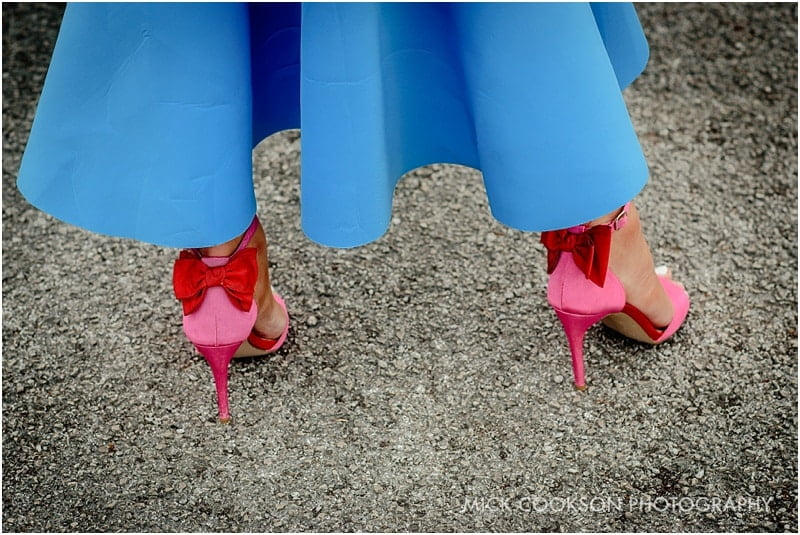 blue dress pink shoes