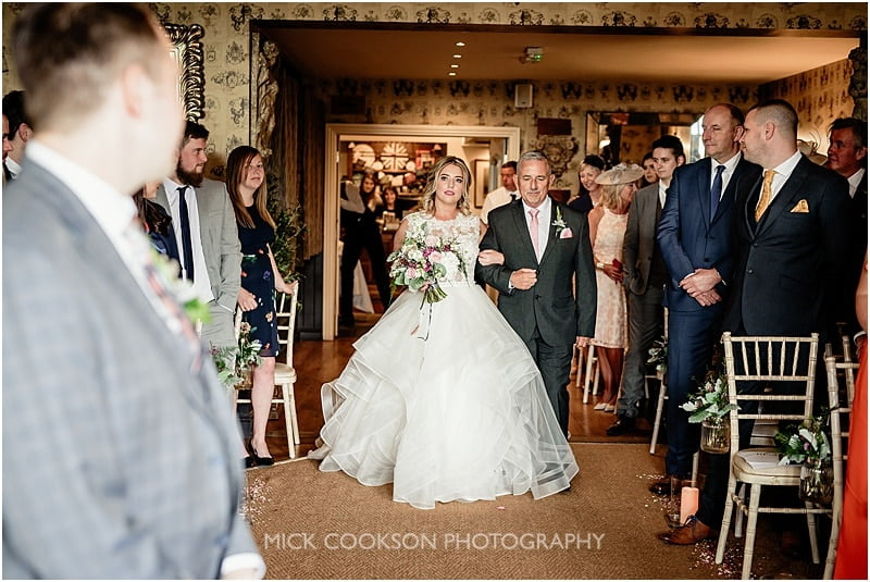bride arriving at her shireburn arms wedding