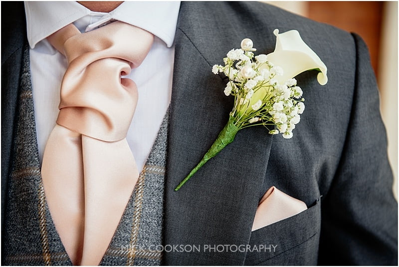 groom buttonhole detail