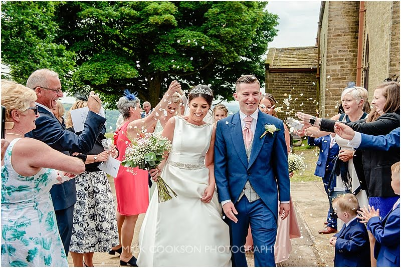 confetti throw at a cheshire wedding