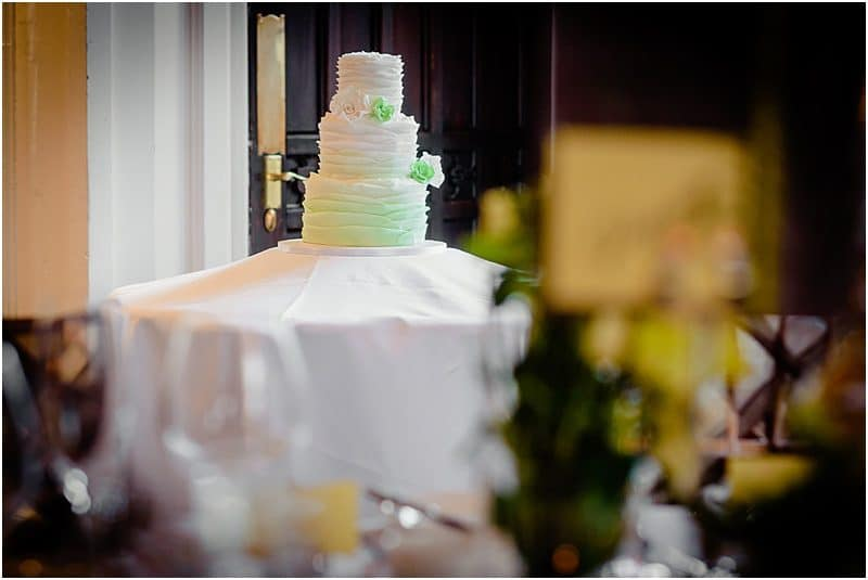 wedding cake at falcon manor