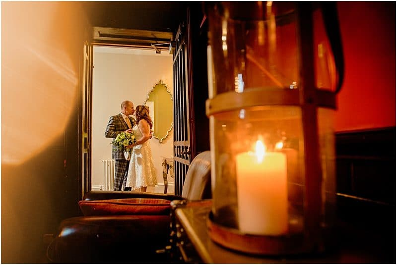stylish wedding photos taken at falcon manor