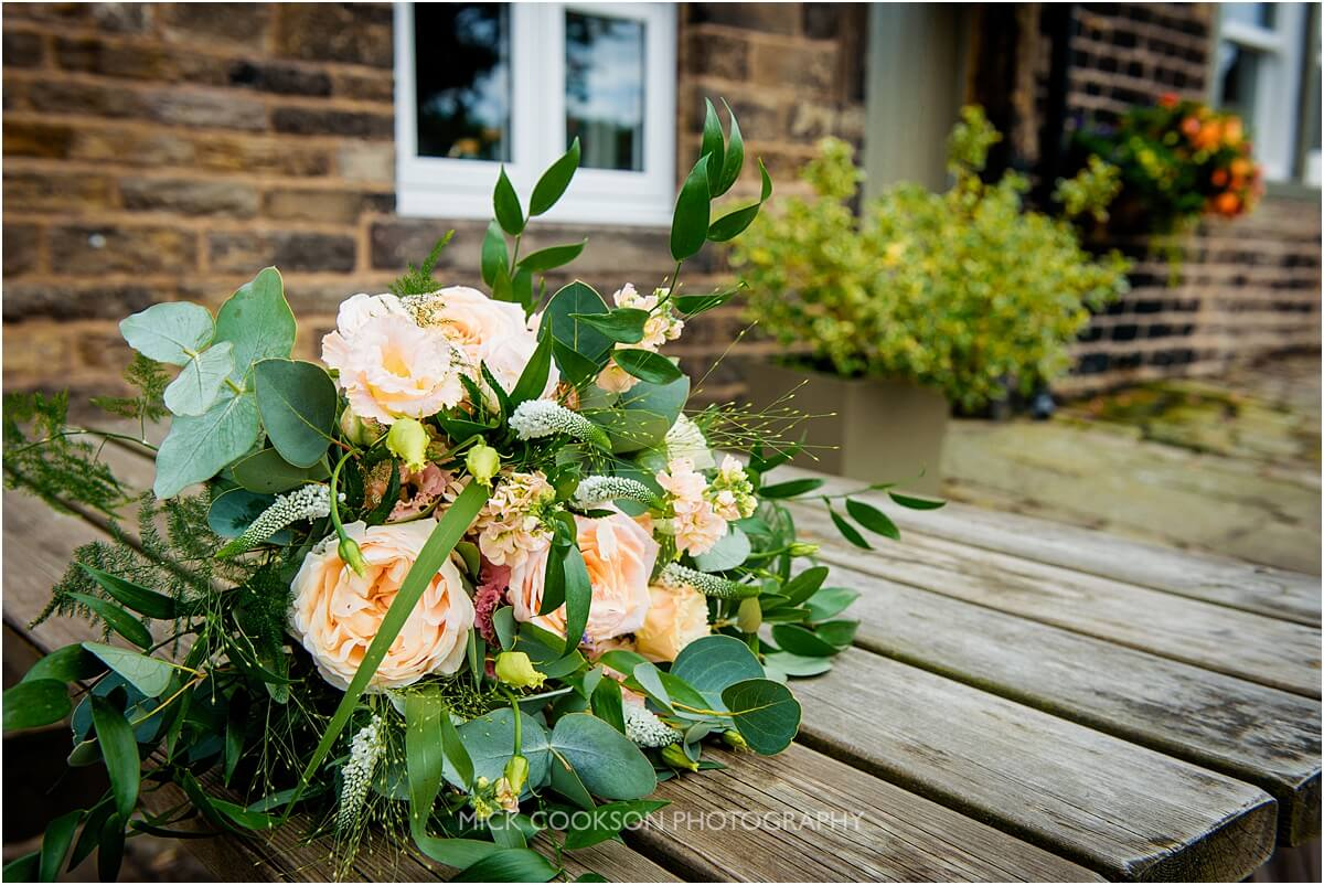 wedding bouquet at the white hart lydgate